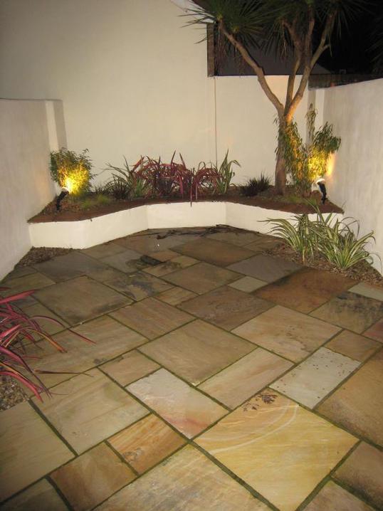 Low Maintenance City Courtyard in Sandymount