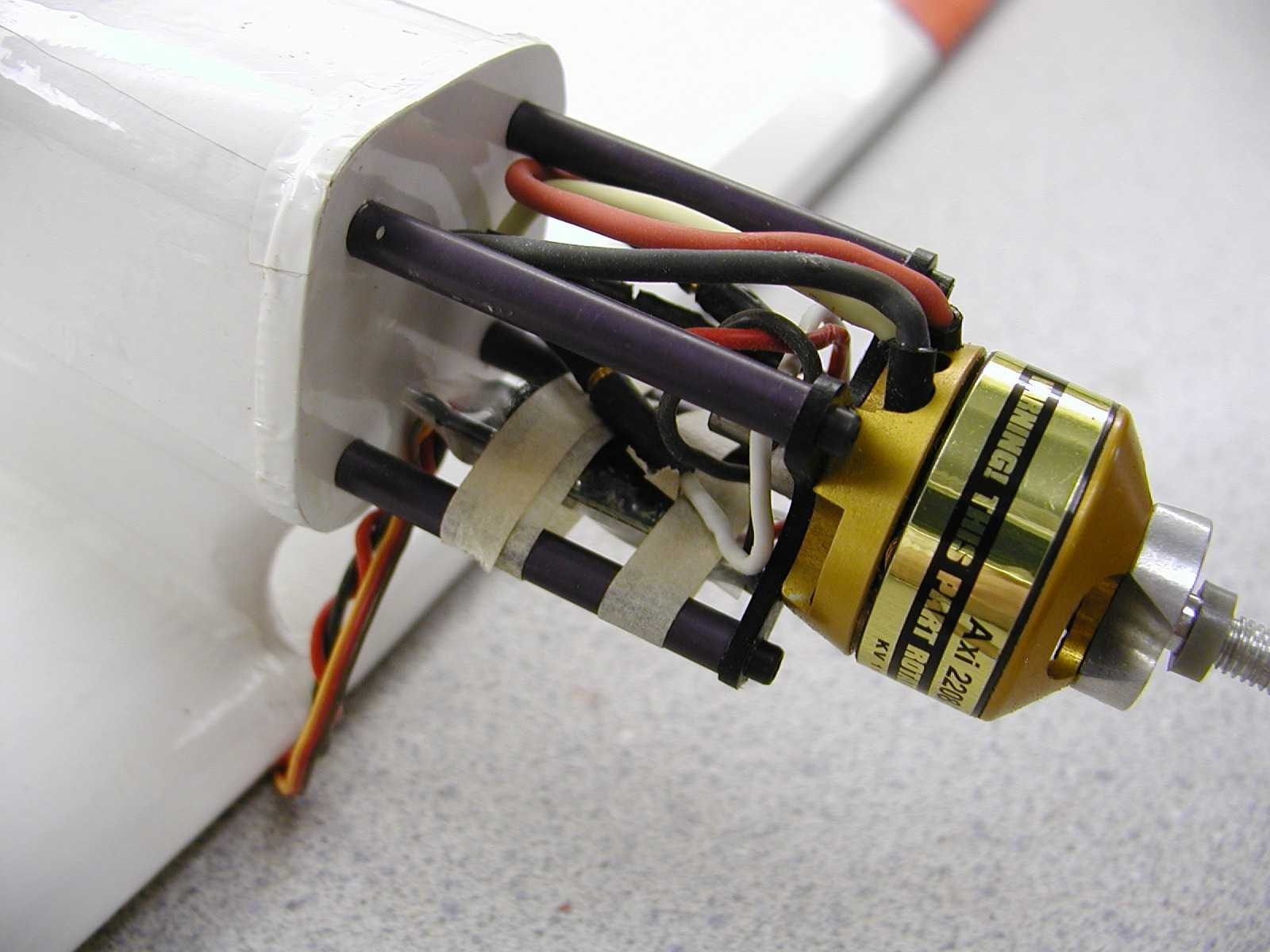 https://0201.nccdn.net/1_2/000/000/197/bf0/Aqua-Star-Motor-Installation-1600x1200.jpg