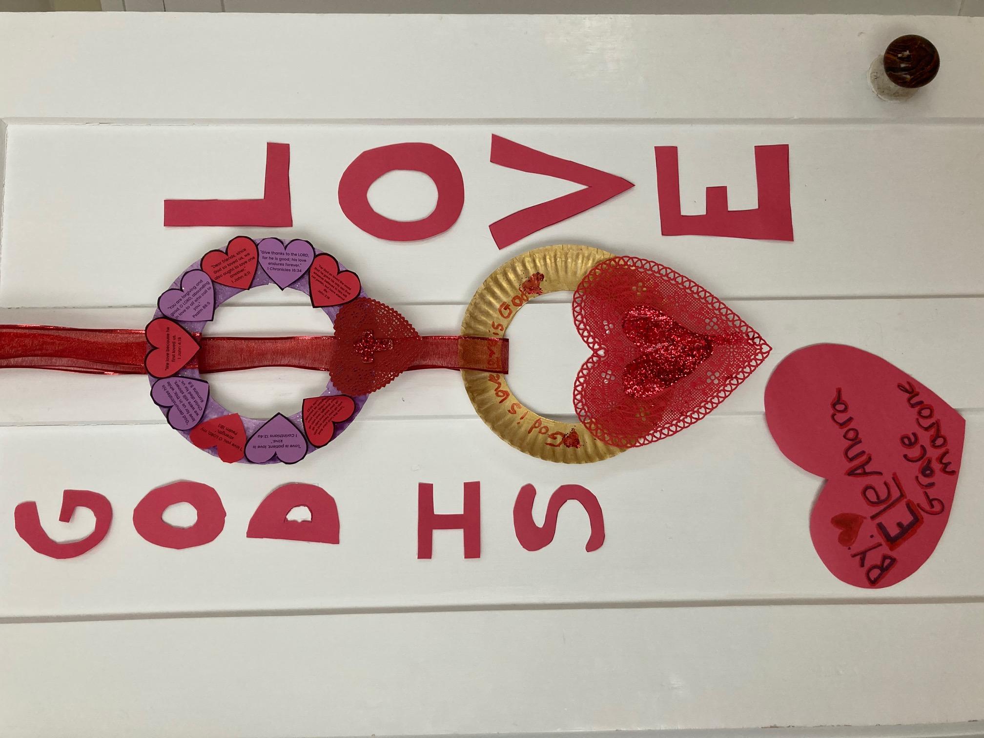 https://0201.nccdn.net/1_2/000/000/198/116/jesus-loves-me-valentine-wreath.jpg