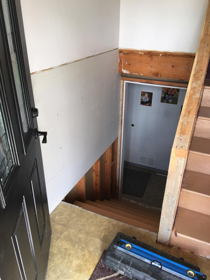 https://0201.nccdn.net/4_2/000/000/000/1e4/carpet-stairs-demo2.jpg