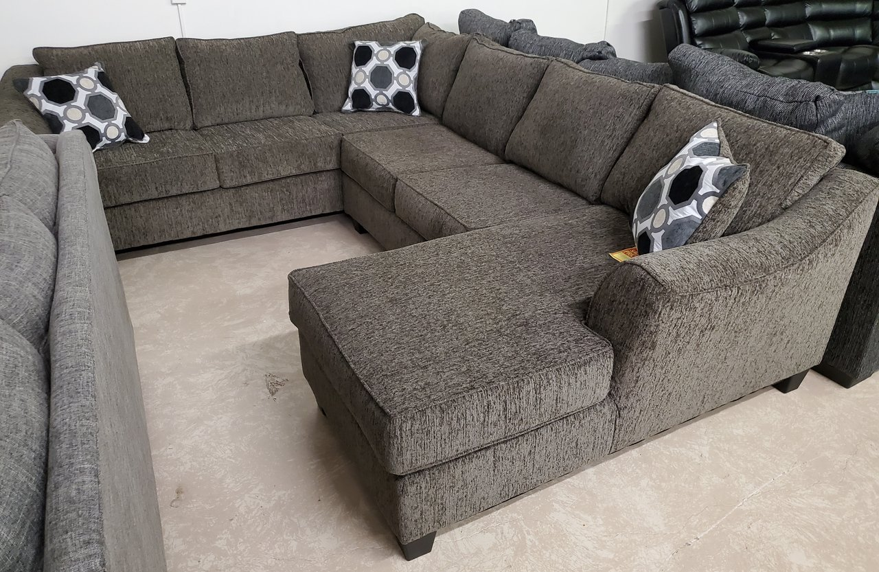 5380 U sectional with chaise