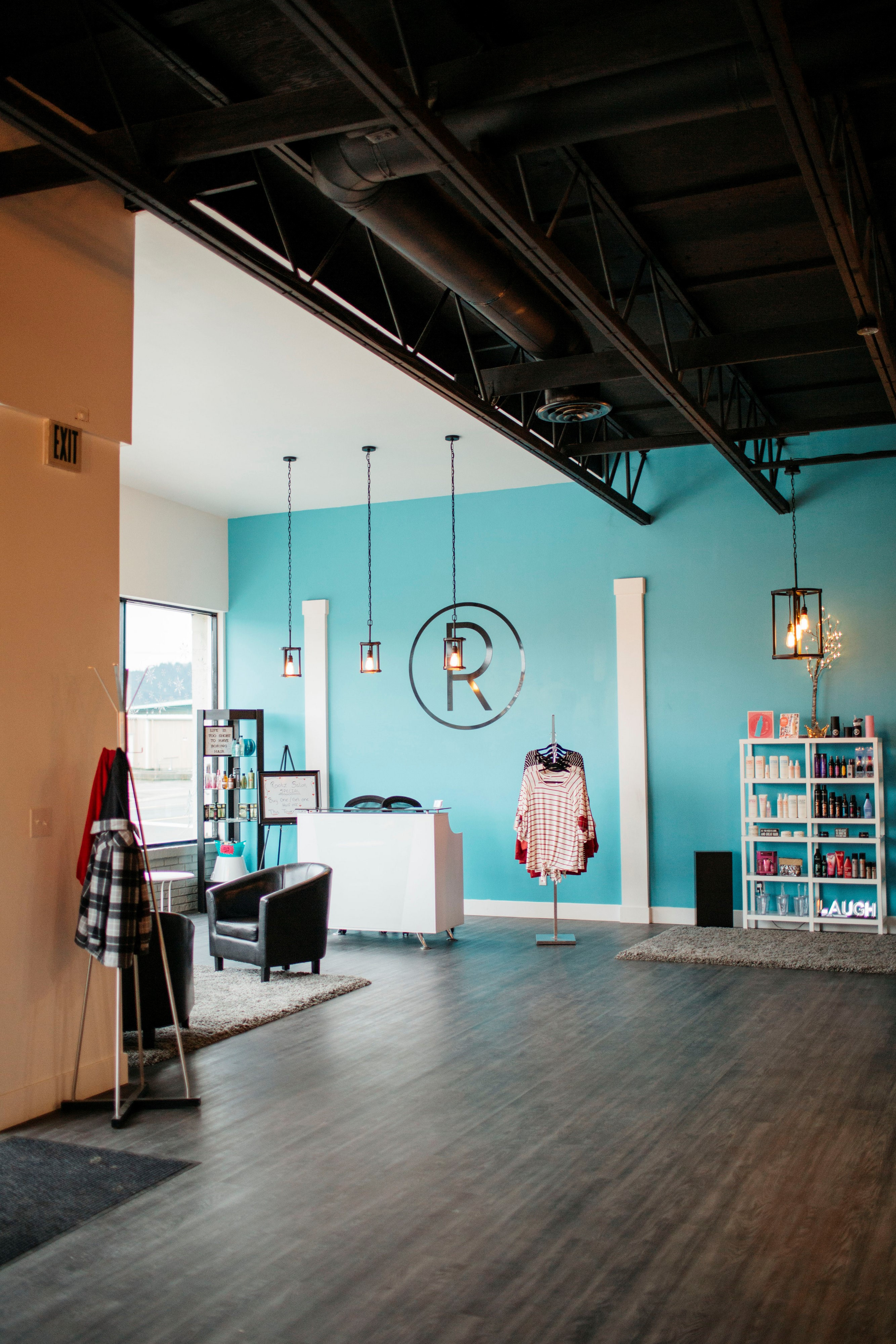 Inside Rootz Salon 3