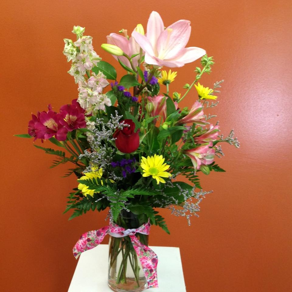 Fresh Flower Vase Arrangement