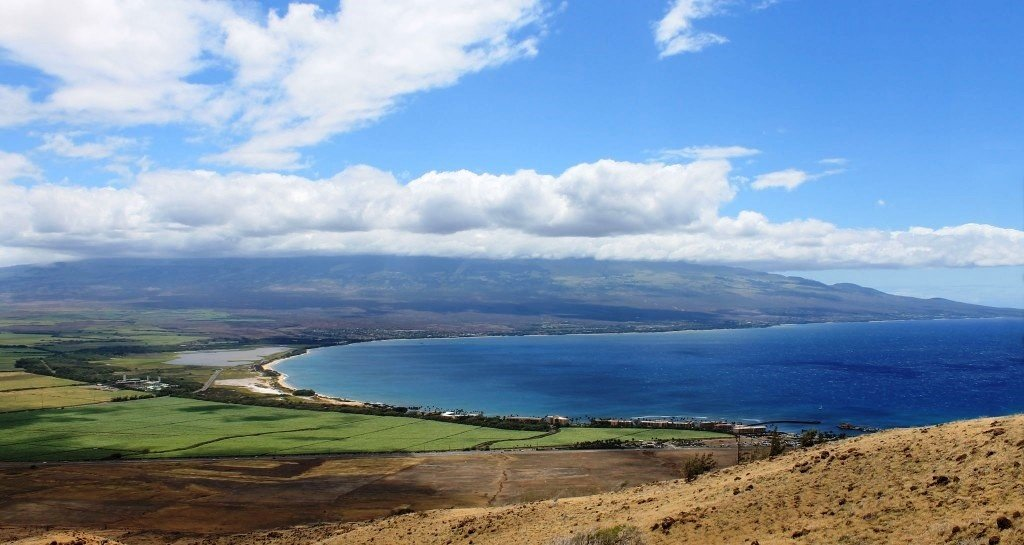 https://0201.nccdn.net/4_2/000/000/008/486/Windmills-hike-view-of-Ma-alaea-Harbor-1024x545.jpg