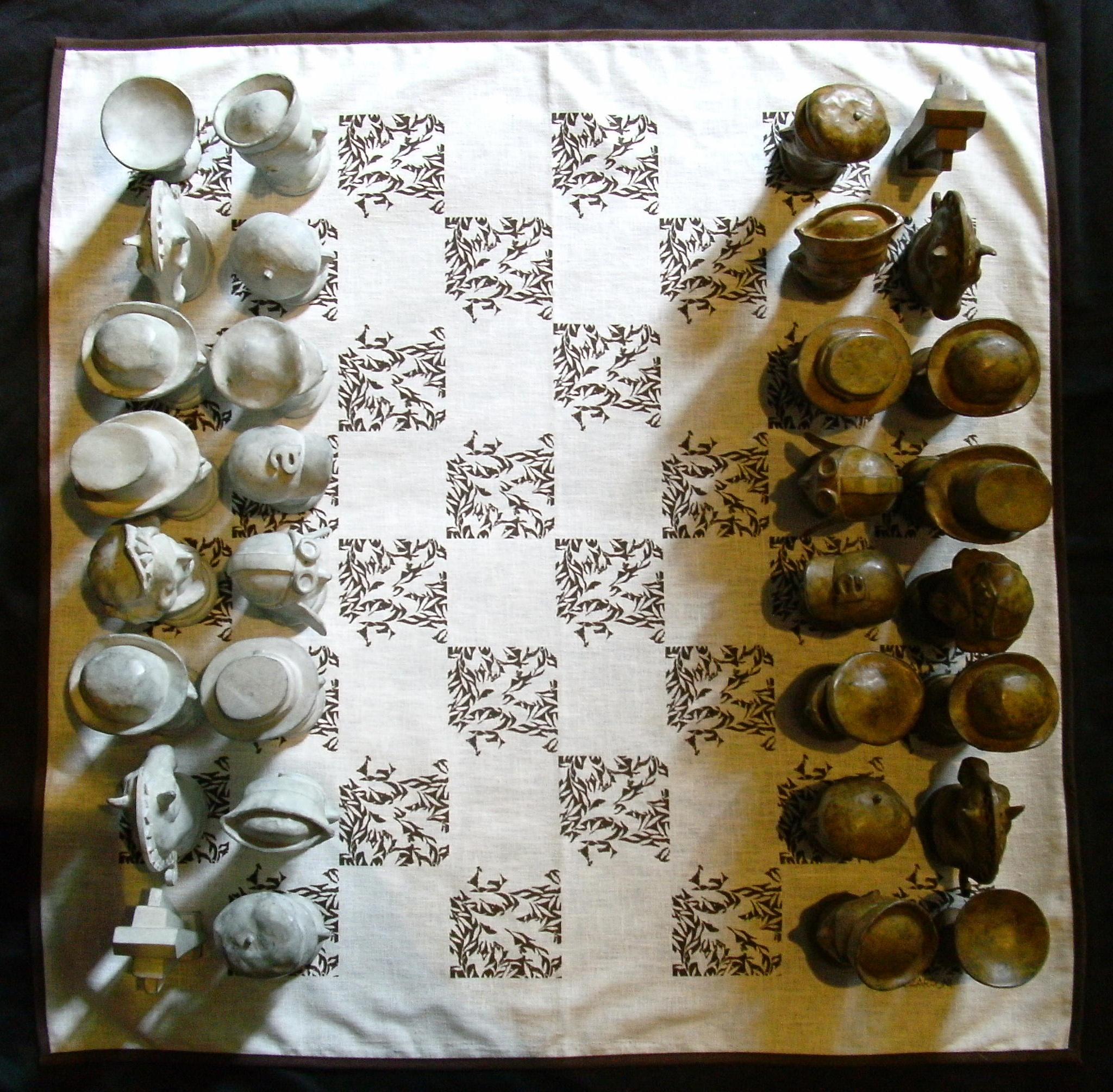 https://0201.nccdn.net/4_2/000/000/008/486/Zardoni_Alvaro_Chess_Set_03-2048x2008.jpg