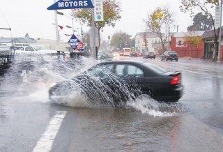 https://0201.nccdn.net/4_2/000/000/008/486/rainstorm.3-320x218-320x218-320x218.jpg