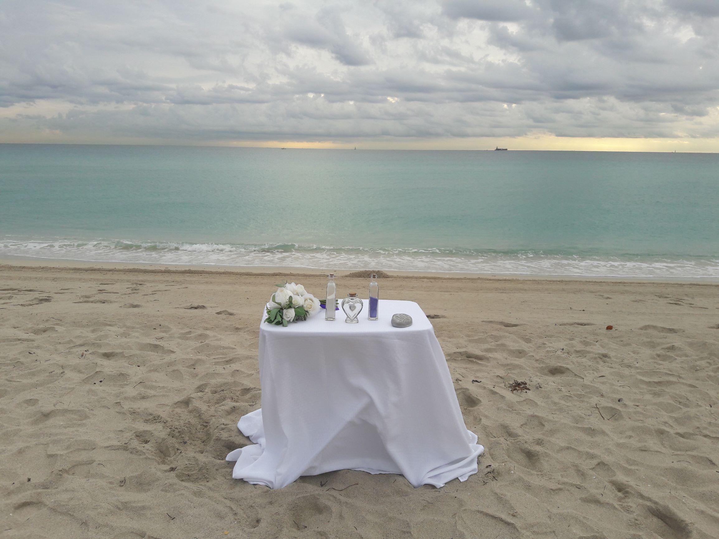 https://0201.nccdn.net/4_2/000/000/008/486/sand-ceremony.jpg