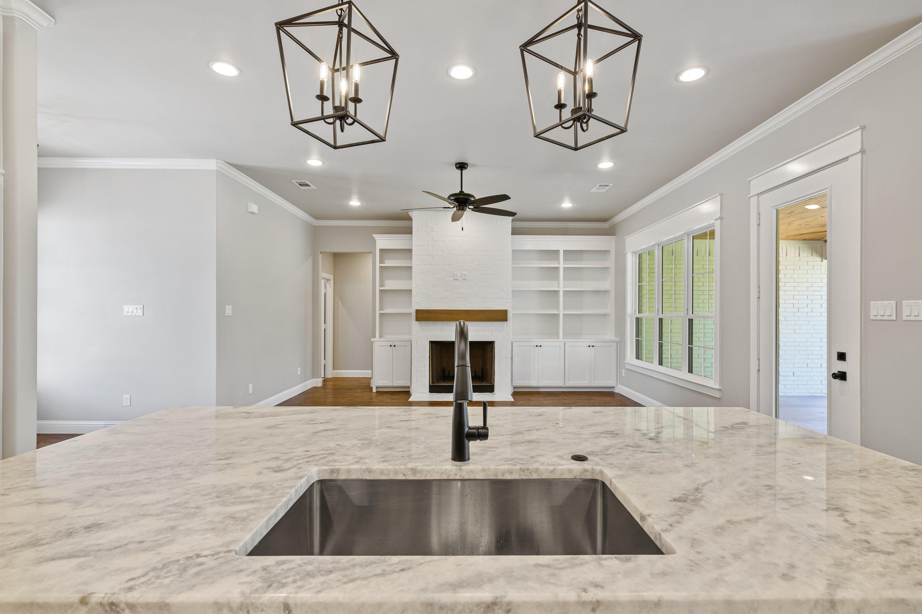 https://0201.nccdn.net/4_2/000/000/009/6ba/kitchen-to-living-view.jpg