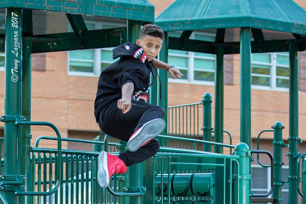 https://0201.nccdn.net/4_2/000/000/00d/f43/JumpingBoyDancerPhoto.jpg