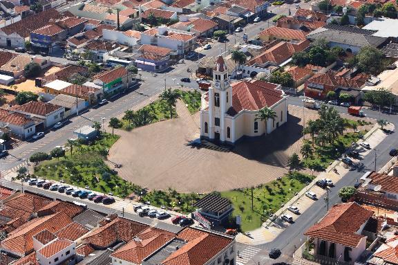Igreja  Matriz Nosso Senhor Bom Jesus, o padroeiro da Cidade Imagem: potirendaba.sp.gov.br