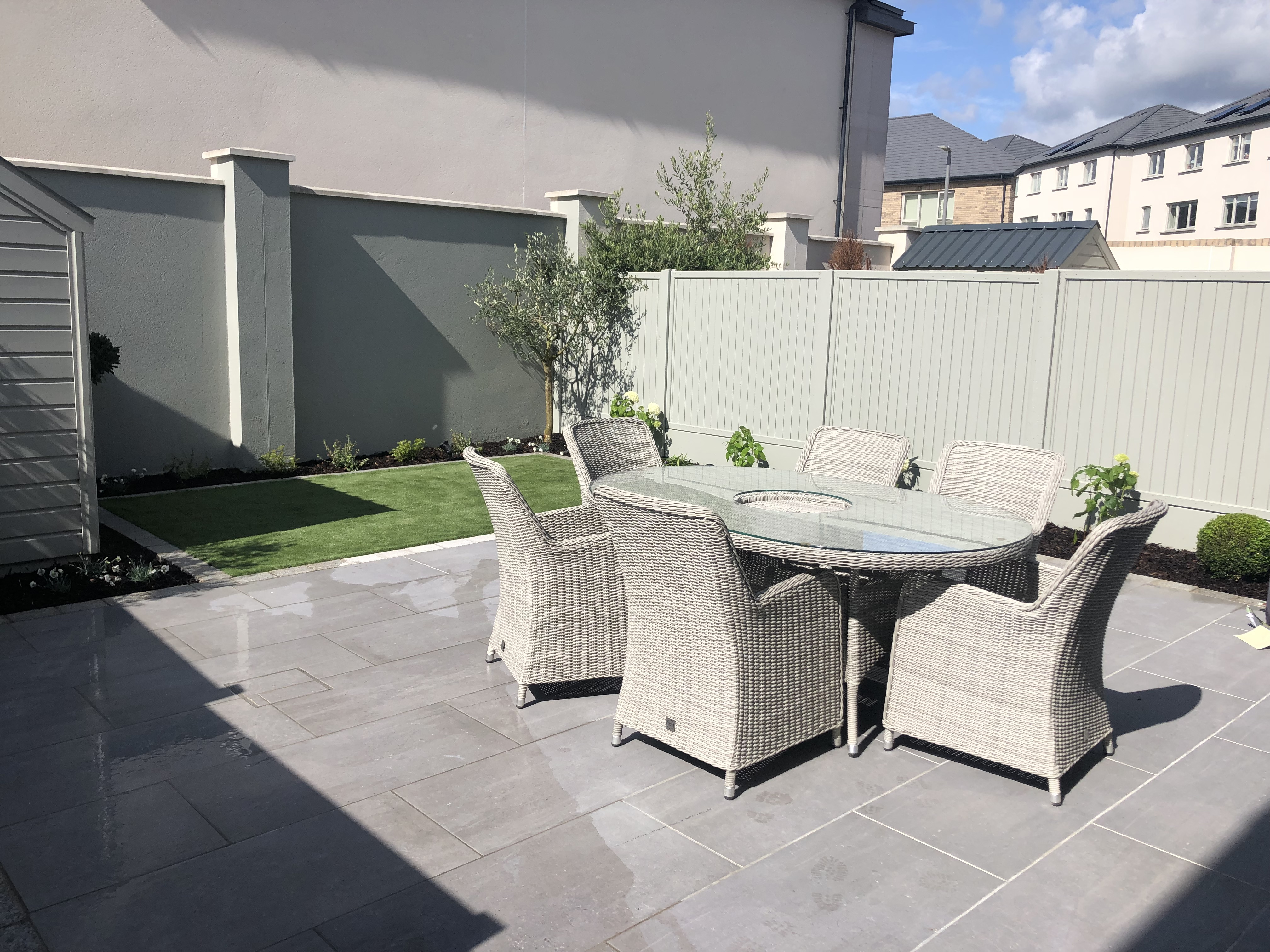 Simple Contemporary Garden