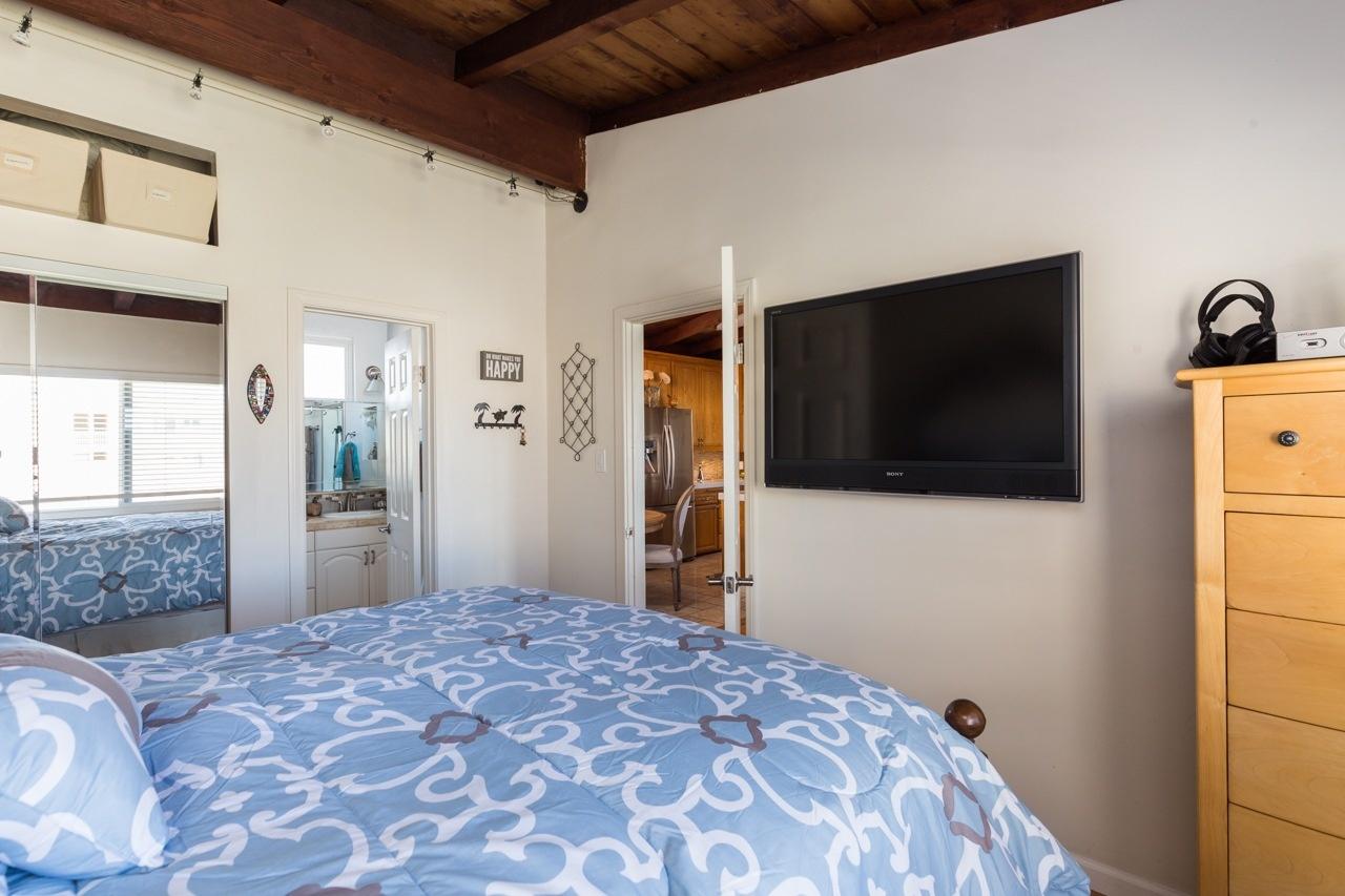 Hermosa Beach House 1 Bedroom 2