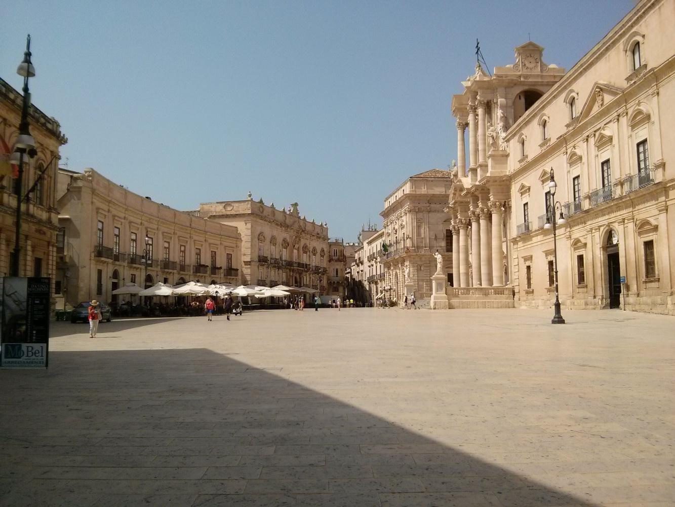 Piazza-di-Duomo-Siracusa