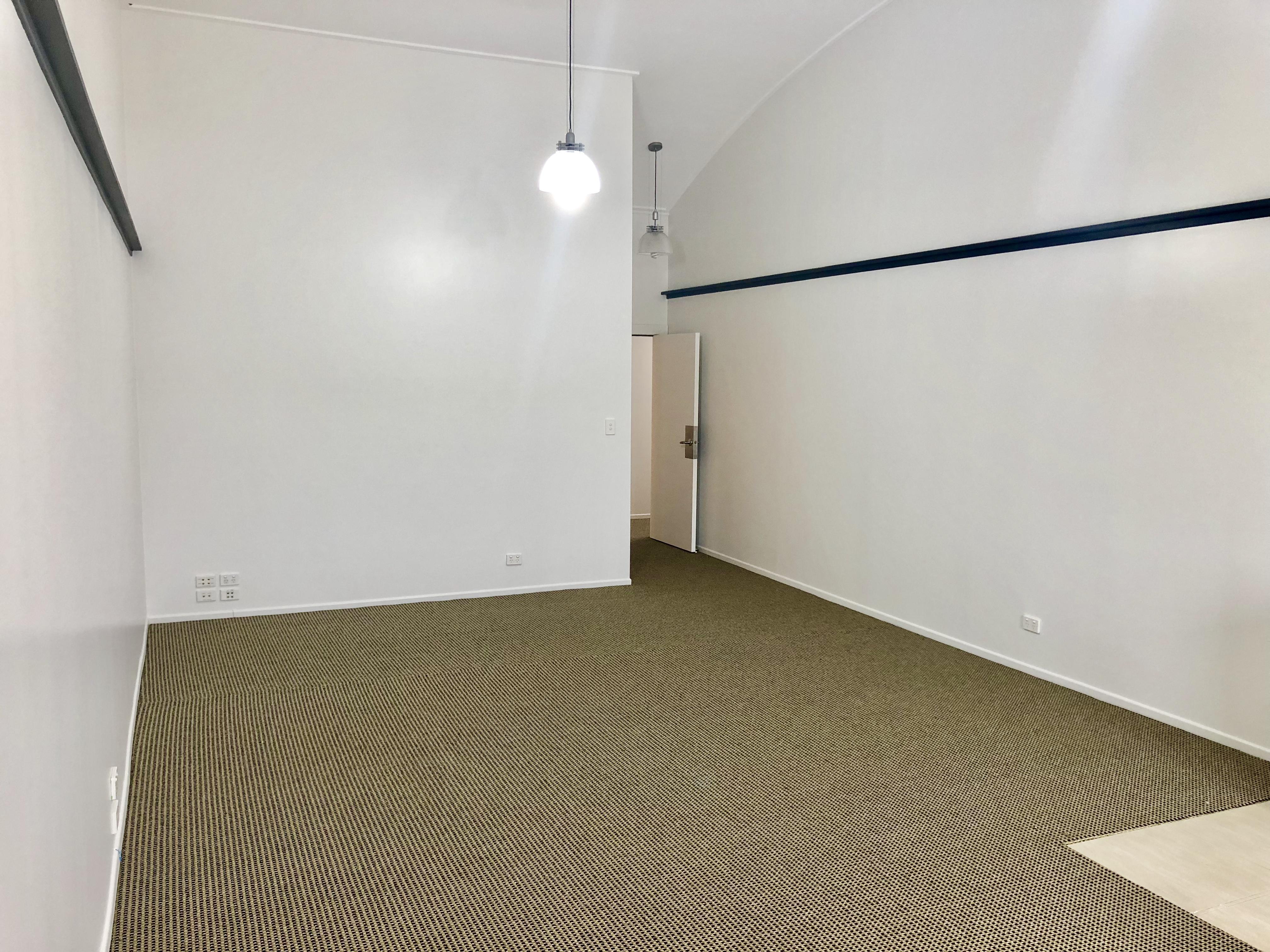 https://0201.nccdn.net/4_2/000/000/017/e75/32-greenpark-road-office-for-lease--6-.jpg