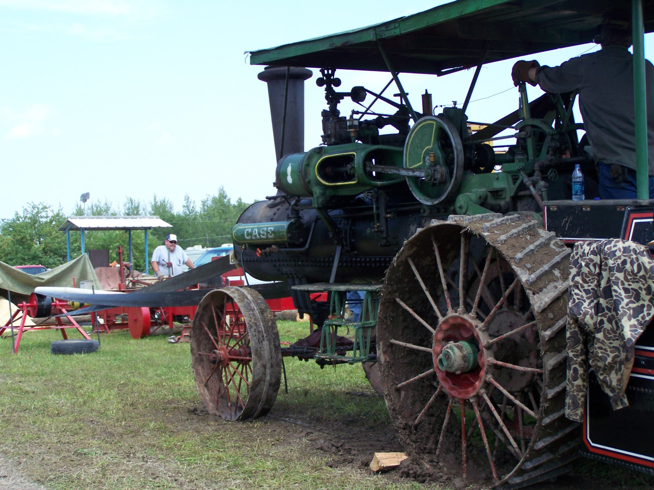 Case Steam Engine belted up to sawmill [2009 Show]