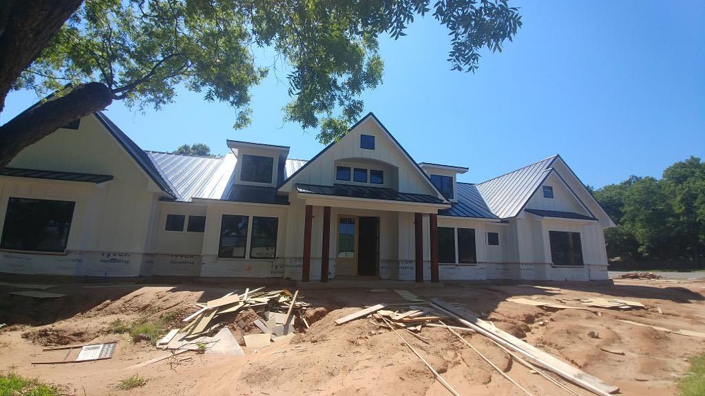 Hackett's Custom Siding and Metal Roofs