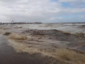 https://0201.nccdn.net/4_2/000/000/017/e75/Blackpool-waves-274x206.jpg