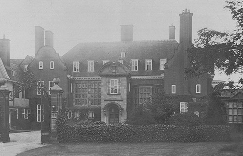 The front of Cavenham Hall in 1930s