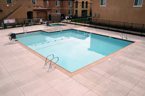 Appartment swimming pool