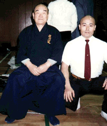 Onozaki Mitsuo (Mitsuhiro) Sensei learned Muso Jikiden Eishin Ryu iaido from his father, Onozaki Yoshimoto (Mitsuhiro). Yoshimoto Sensei was an officer in the Imperial Guards Regiment and trained under Nakayama Hakudo. .  Nakamura Sensei (L) with  Onozaki Mitsuhiro Sensei (Muso Jikiden Eishin Ryu Iaido).