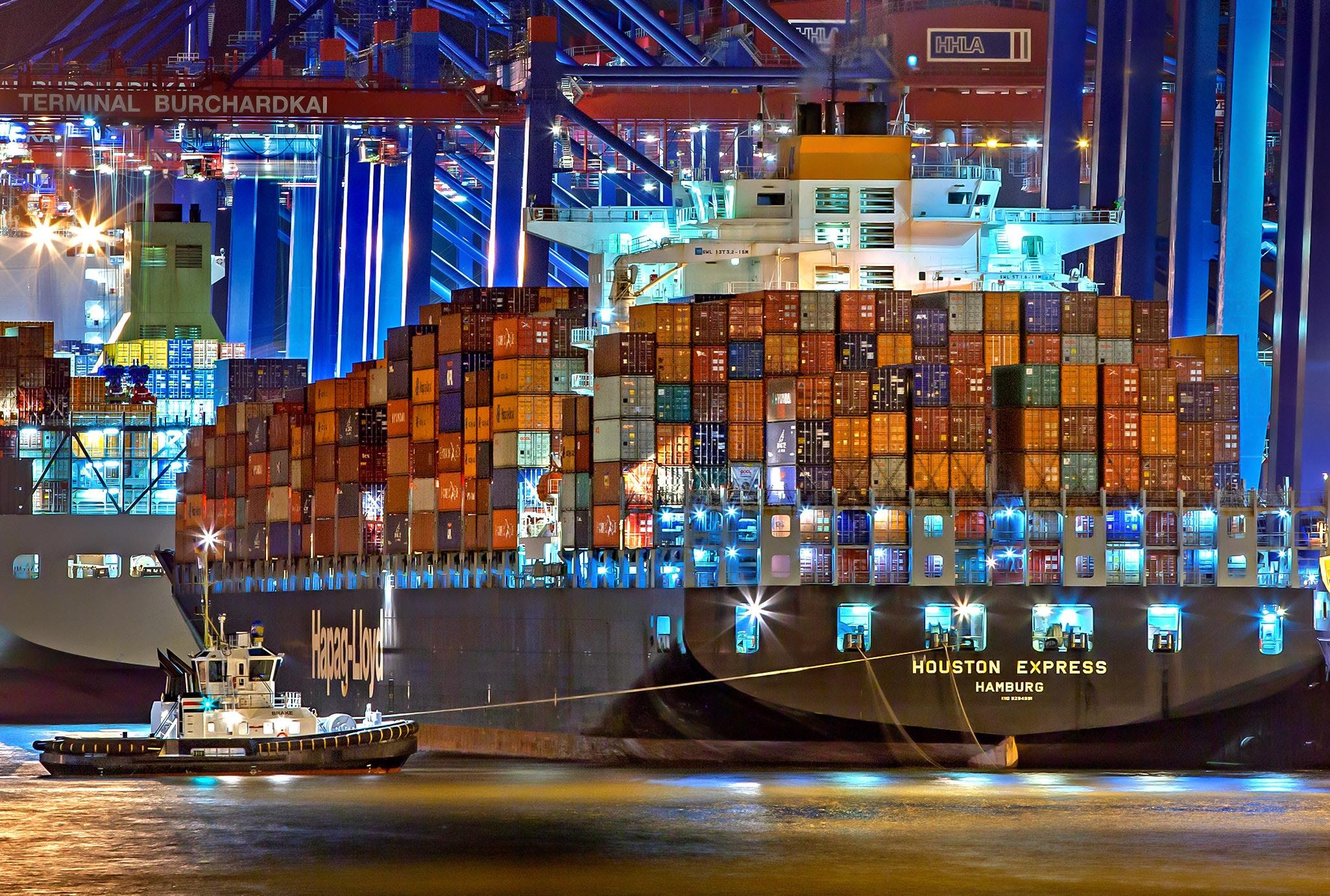https://0201.nccdn.net/4_2/000/000/019/c2c/boats-cargo-cargo-container-753331-2050x1381.jpg