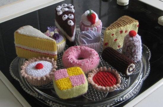 https://0201.nccdn.net/4_2/000/000/01e/20c/cakes-x-12-550x362.jpg