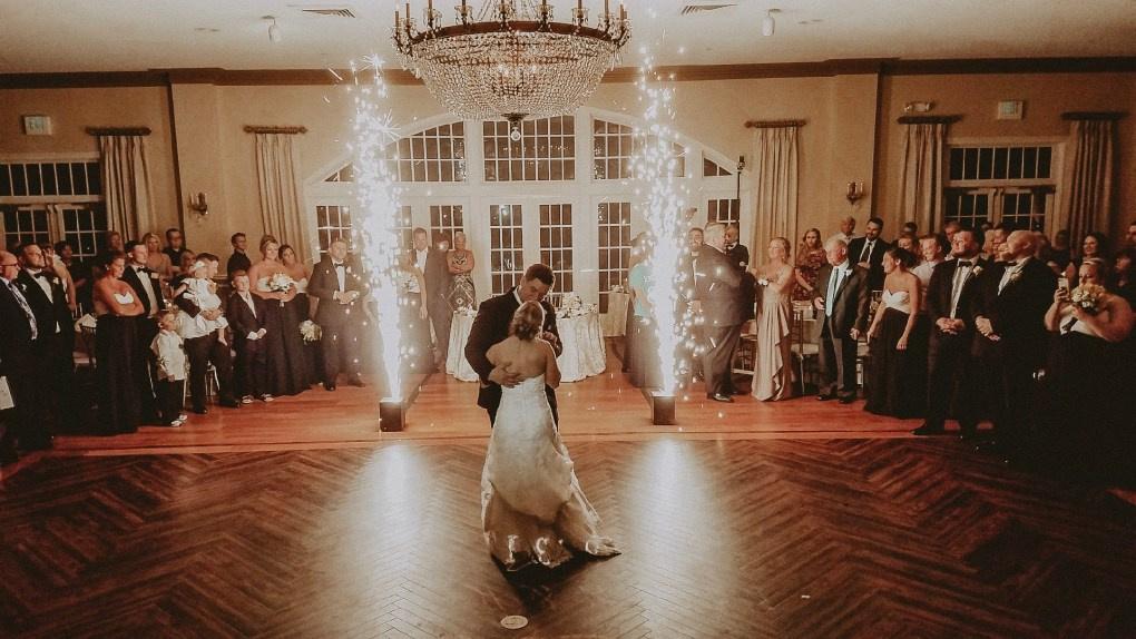 https://0201.nccdn.net/4_2/000/000/01e/20c/wedding2-1020x574.jpg