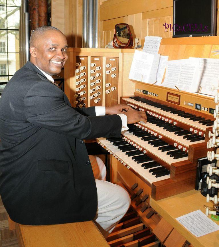 Regentonian Organist