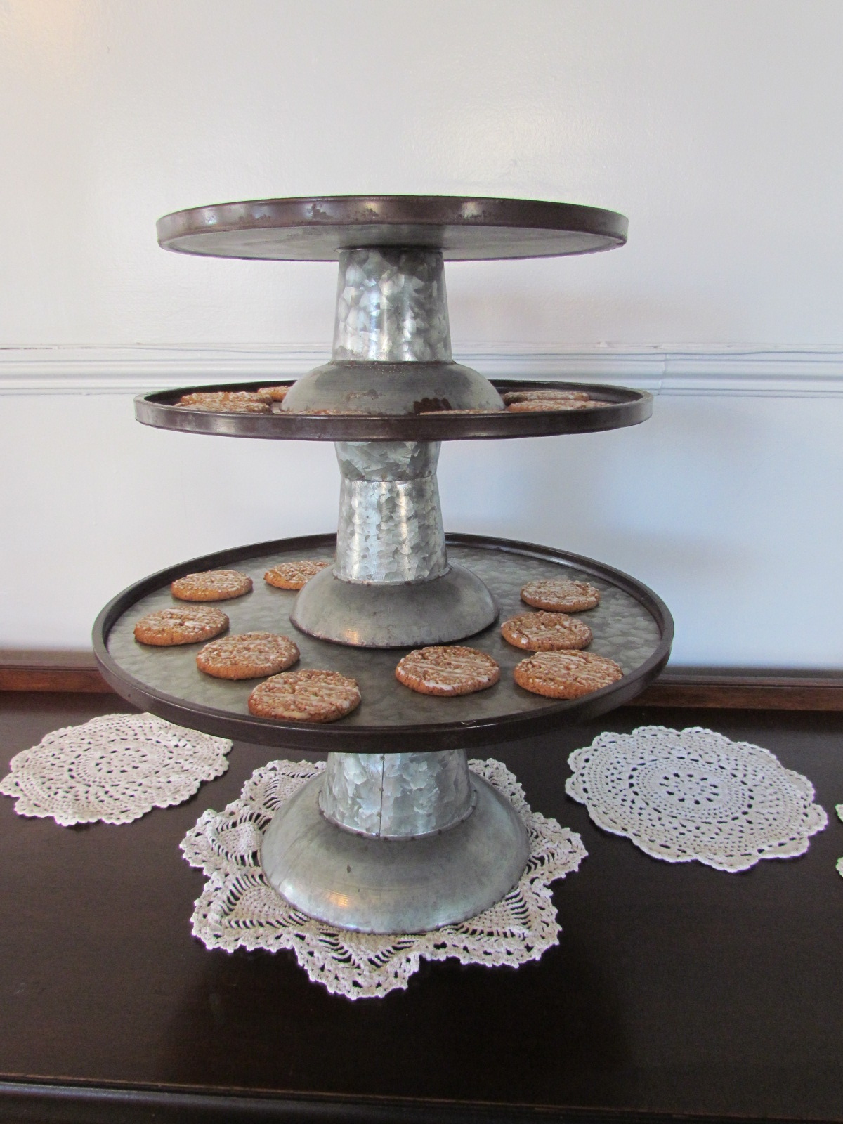 Zinc 3-Tier Cake Stand $18 / Day OR Small $3 / Day Medium $6 / Day Large $9 / Day