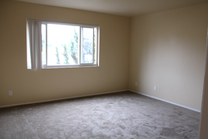 First bedroom also has new carpet
