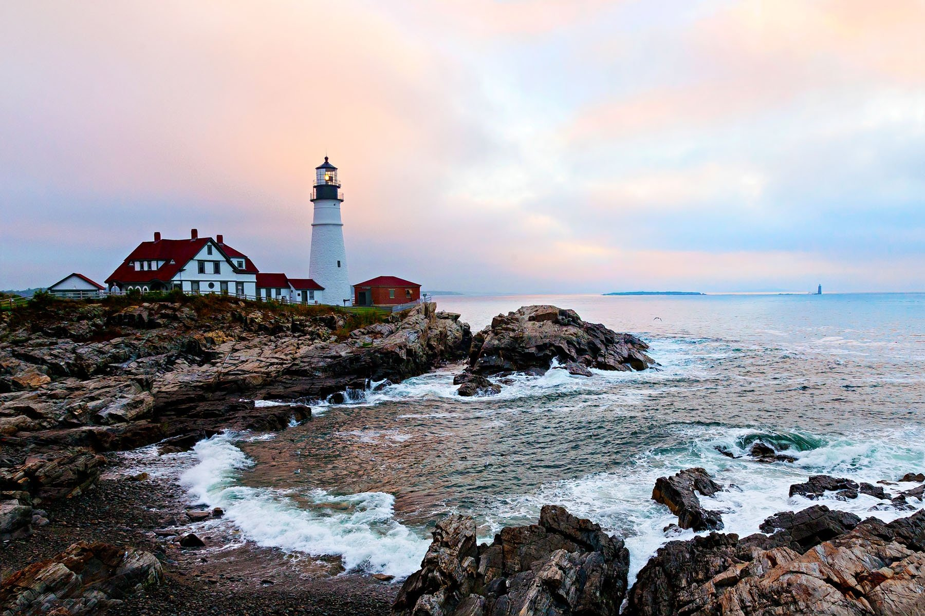 PORTLAND LIGHT - I know. Another light house picture. And I'm sure this light house in Portland Maine has been photographed more than any other lighthouse in the world. But, just look at it!       HOW CAN YOU NOT TAKE THIS PICTURE?
