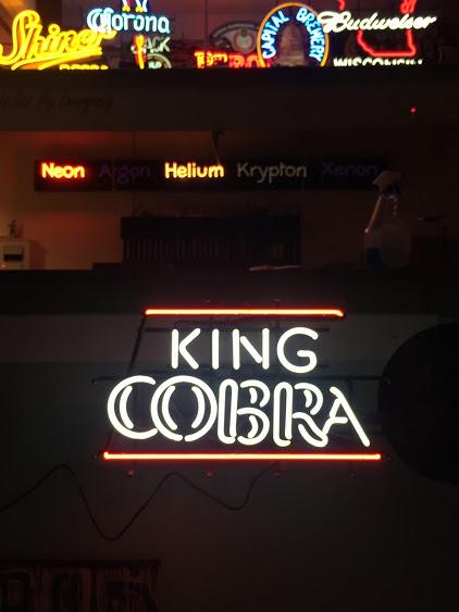 https://0201.nccdn.net/4_2/000/000/023/130/kingcobra-422x563.jpg