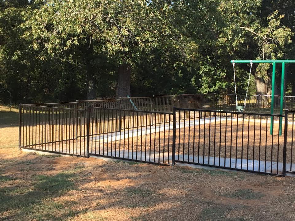 https://0201.nccdn.net/4_2/000/000/024/ec9/fencing.png