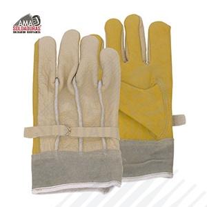 ELECTRICISTA Categoría: Manejo de maquinaria y herramientas Fabricado con: Piel y carnaza Descripción: Tamaño estándar, material en la palma y pulgar compuesto de piel de res (vacuno) grueso 1.2/1.3 mm de espesor con ajuste de plástico (dieléctrico) y en el dorso de la mano: piel grabada res con puño de carnaza al grueso 1.3/1.4 mm Ideal para trabajos donde se requiera maniobrar con algún tipo de herramienta de mano.