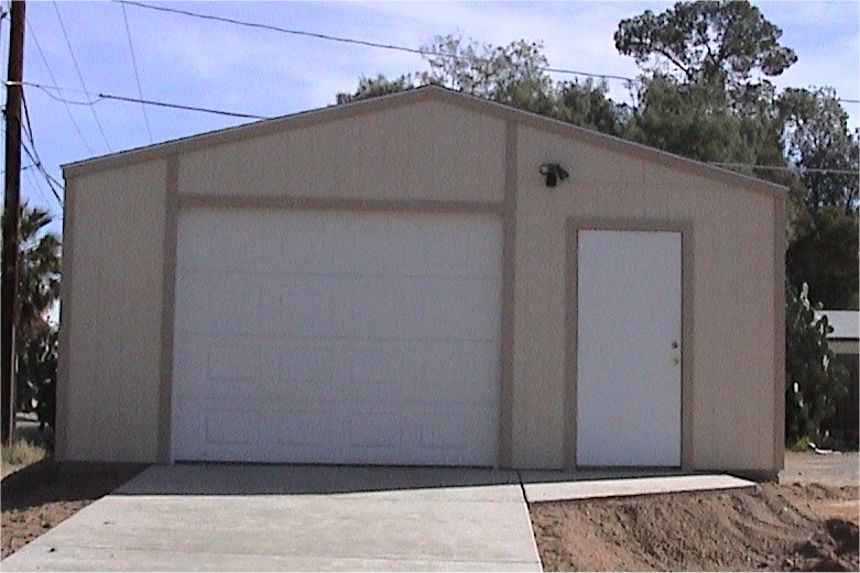 1 Car Garage With Door