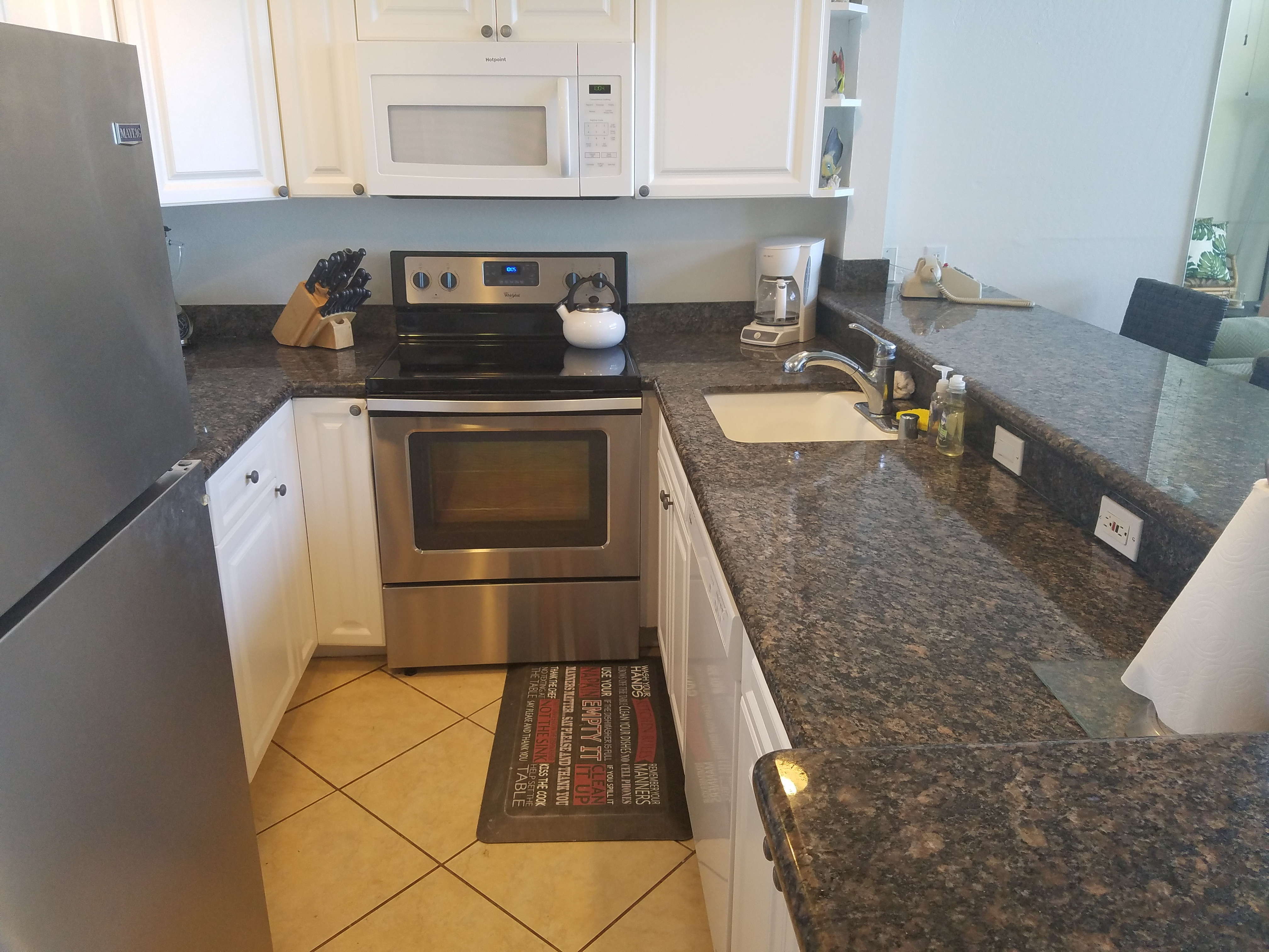 C20 Fully equipped kitchen