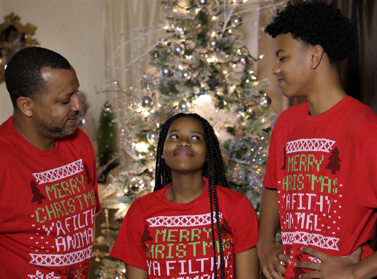 https://0201.nccdn.net/4_2/000/000/038/2d3/8l0a3887-christmas.jpg