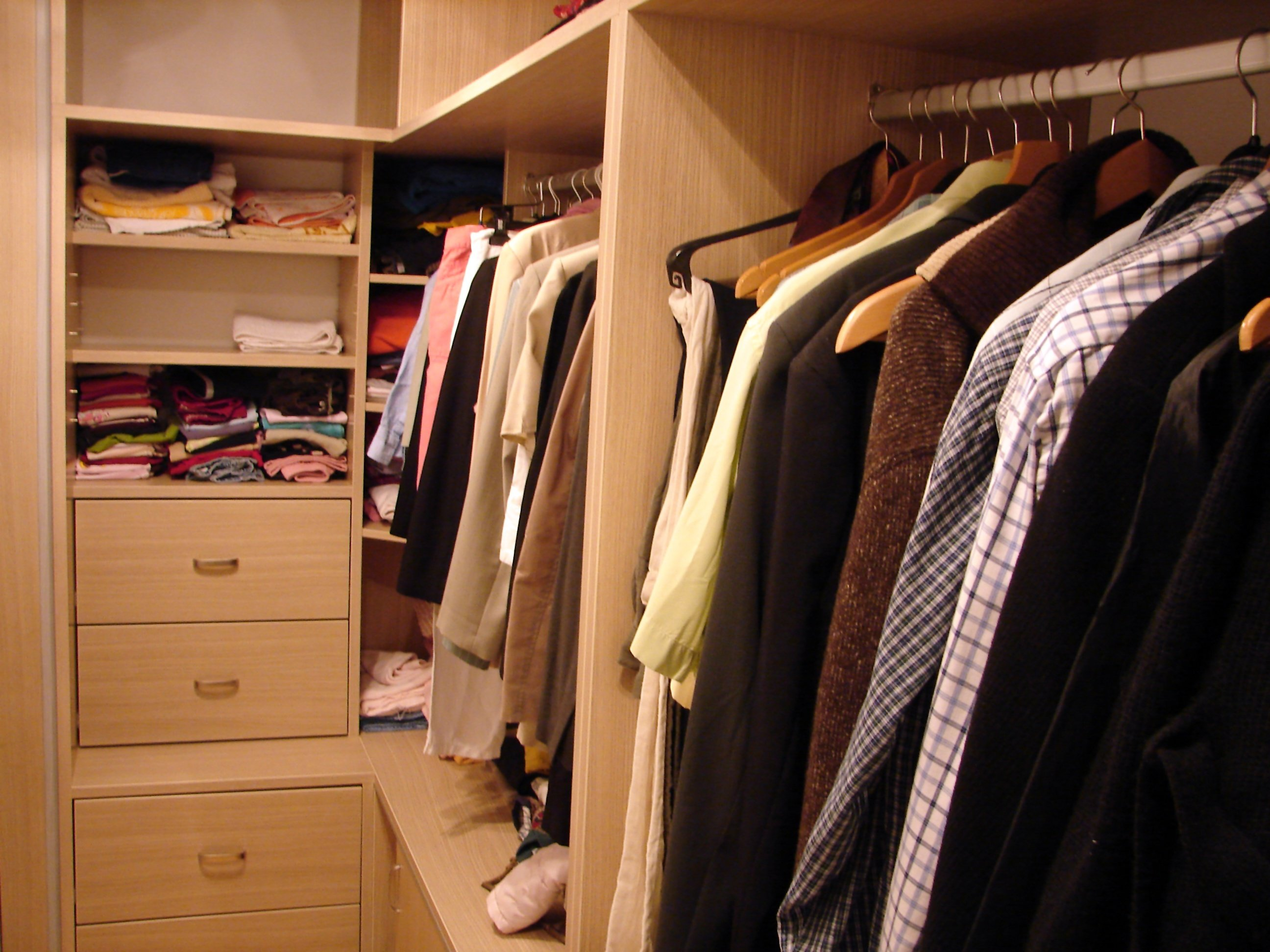 Merveilleux Benefits Of Hiring A Professional Closet Organizer