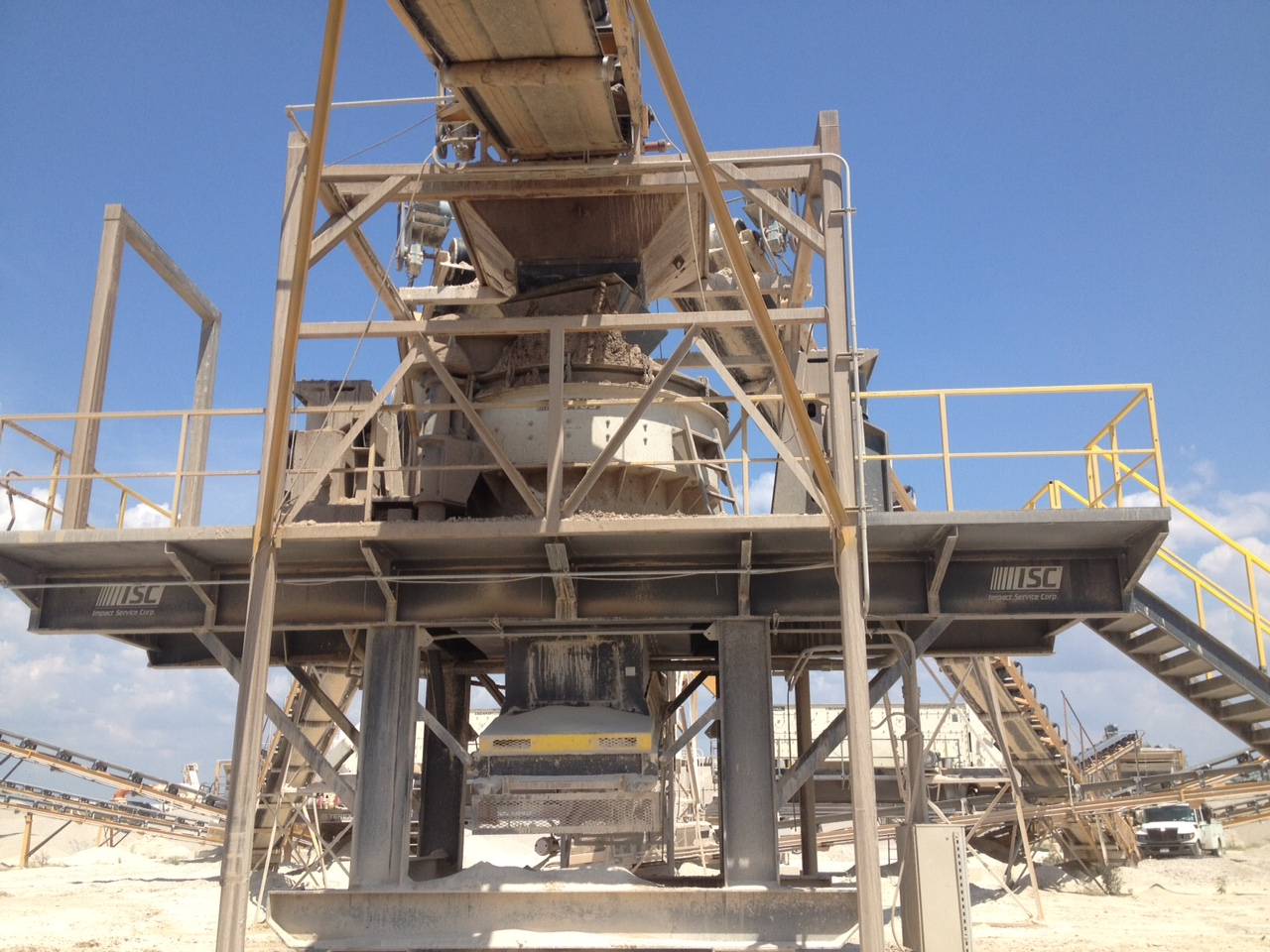 Hunter Industries, Ltd. Weisman Equipment Co. Uvalde 103 Crusher