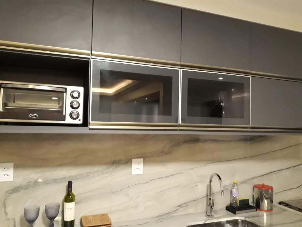 Armário de cozinha.