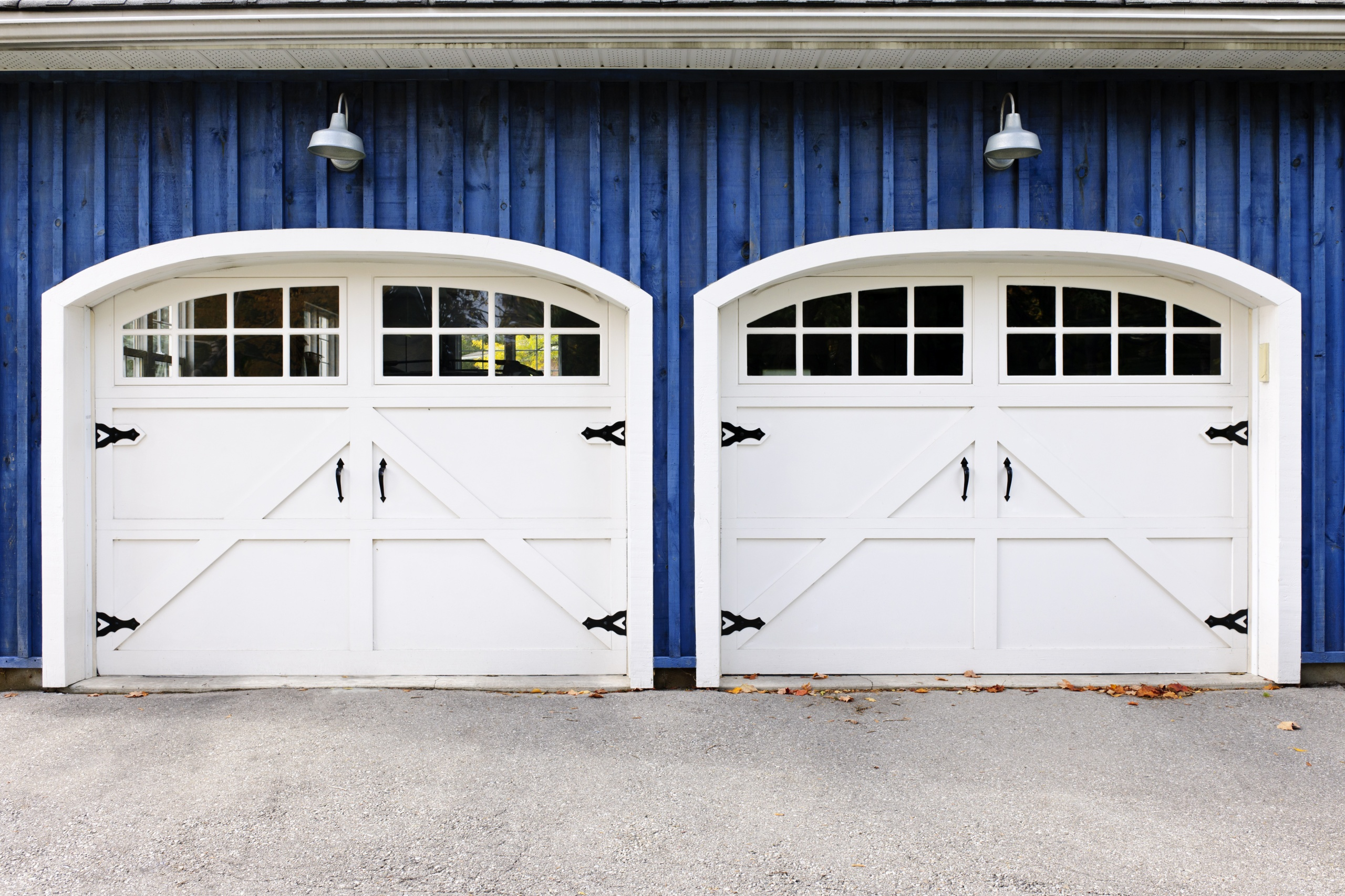 3 ways to give your garage door a makeover