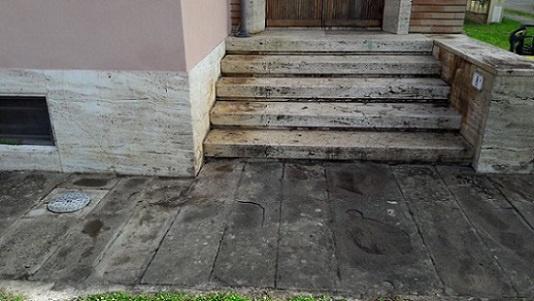 https://0201.nccdn.net/4_2/000/000/038/2d3/Lavado-de-piso-de-recinto-534x301.jpg