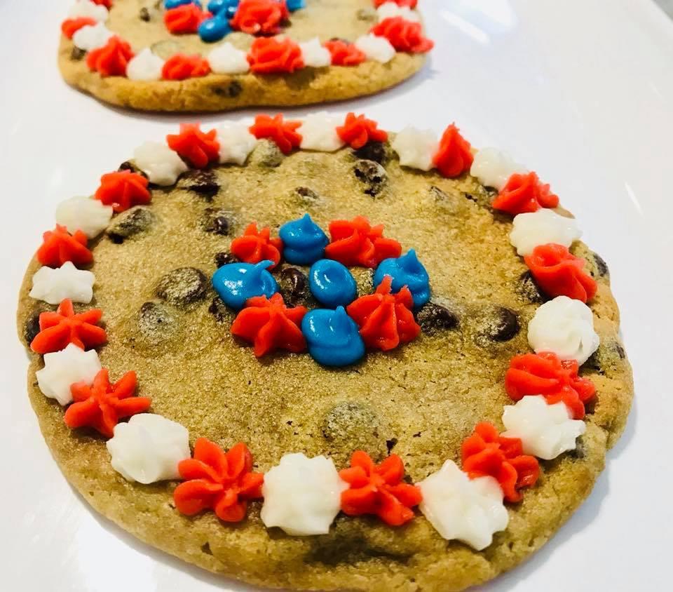 https://0201.nccdn.net/4_2/000/000/038/2d3/Mini-Cookie-Cake2-960x844.jpg
