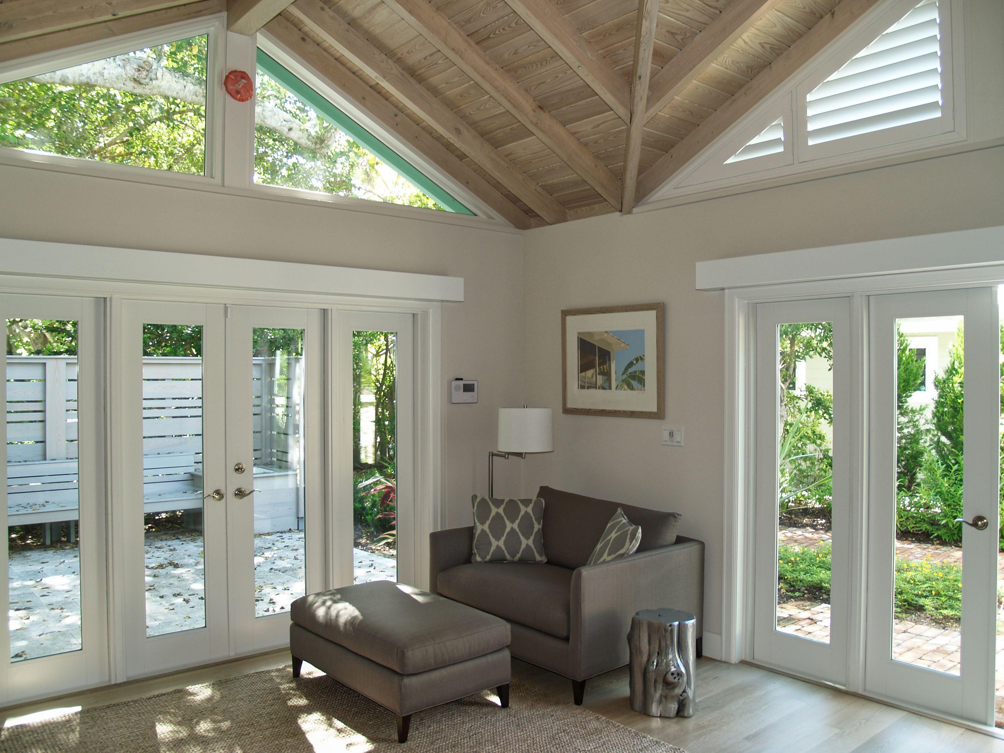 https://0201.nccdn.net/4_2/000/000/038/2d3/beachfront-florida-cottage--12-.jpg