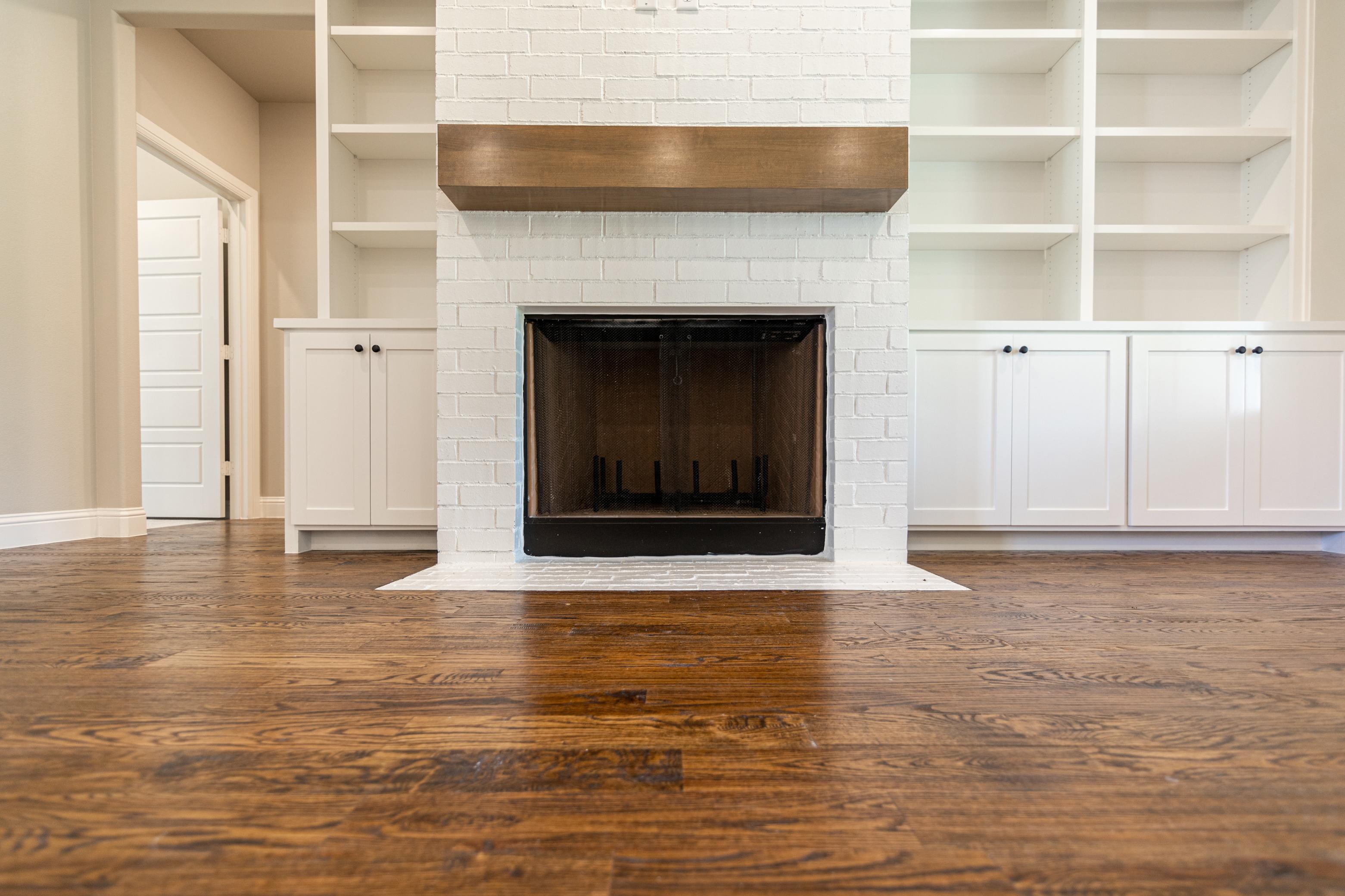 https://0201.nccdn.net/4_2/000/000/038/2d3/fireplace.jpg