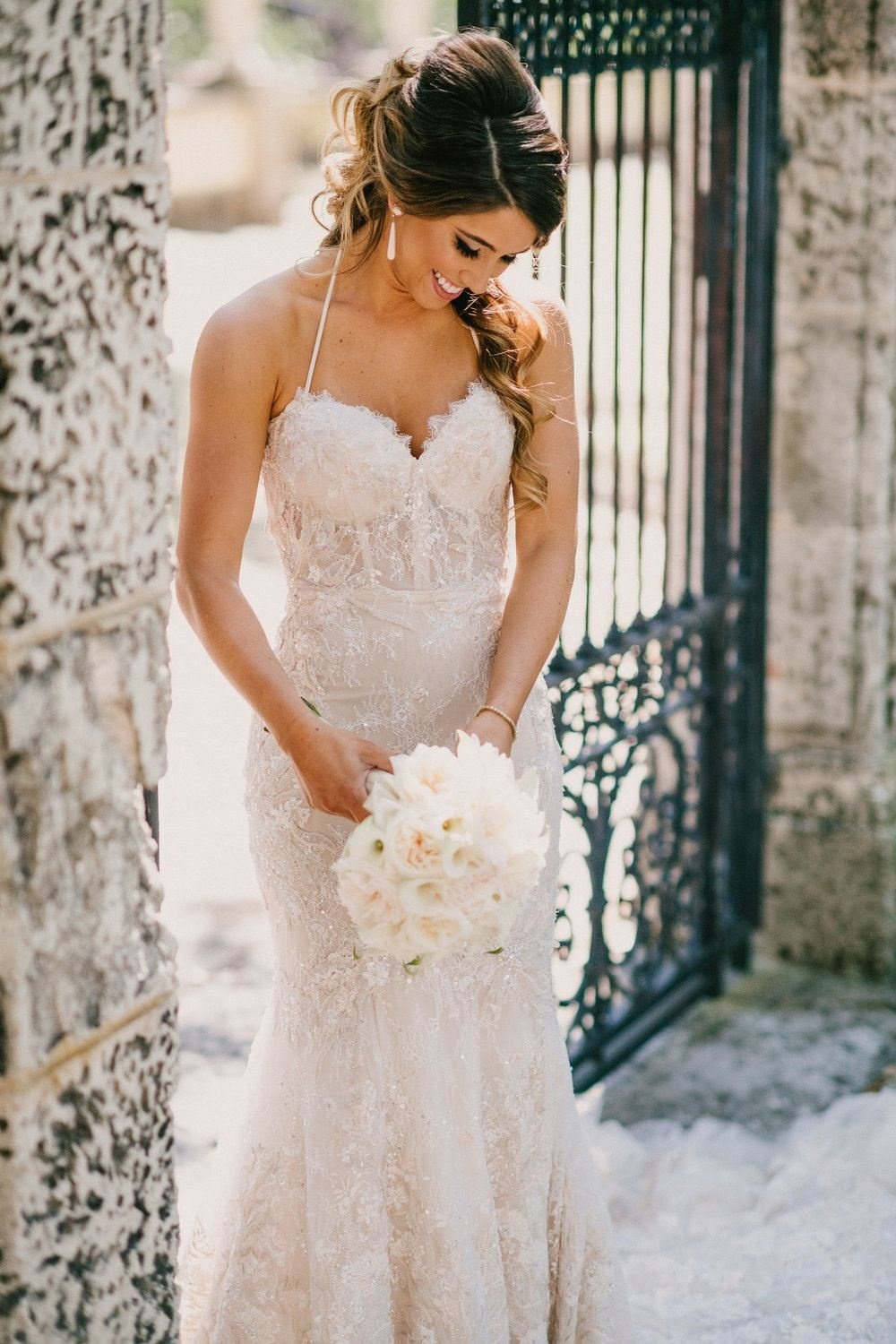 https://0201.nccdn.net/4_2/000/000/038/2d3/industrial-wedding-vibes-miami-nuptials-27-1000x1500.jpg
