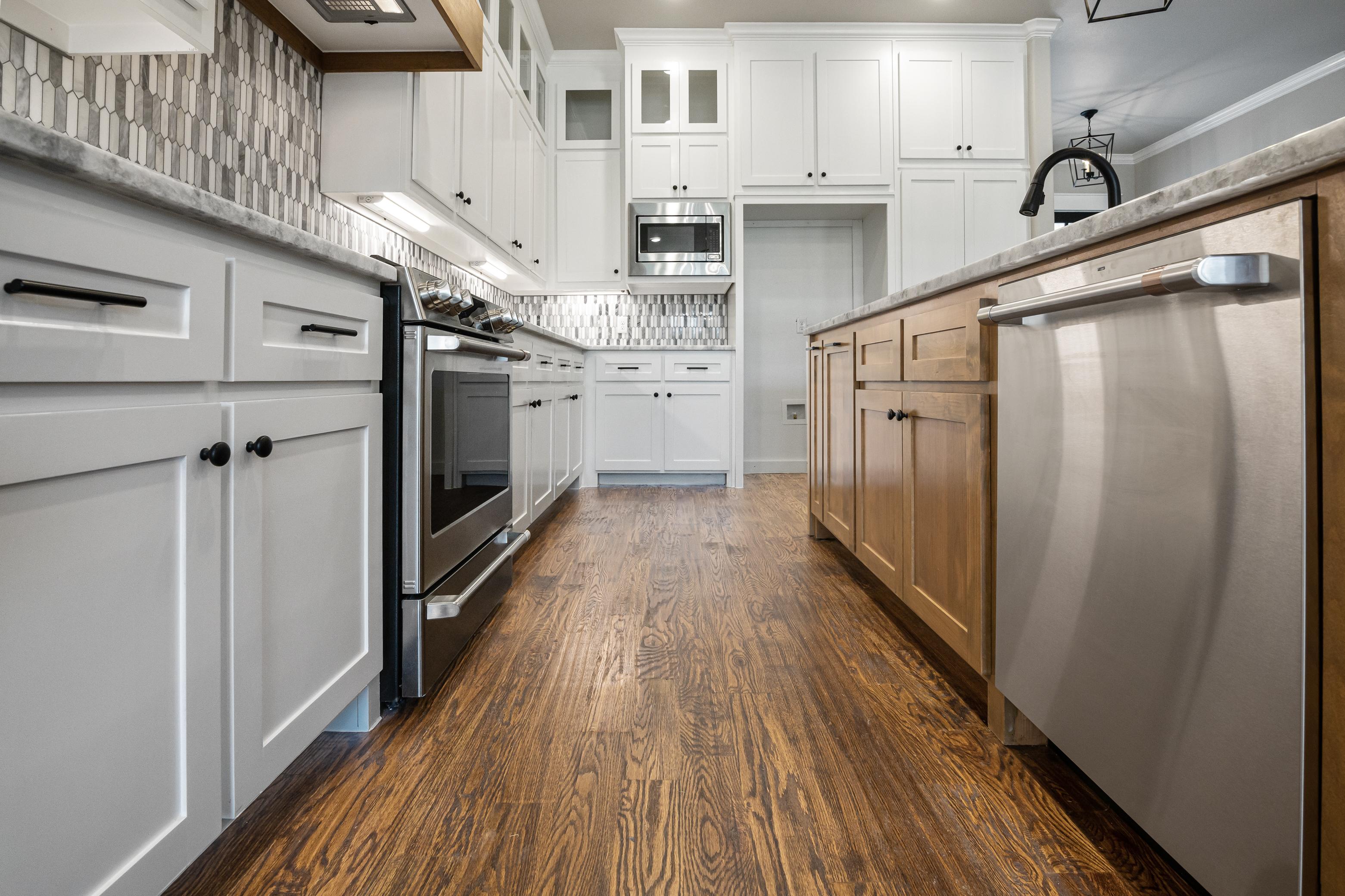 https://0201.nccdn.net/4_2/000/000/038/2d3/kitchen-low-shot.jpg