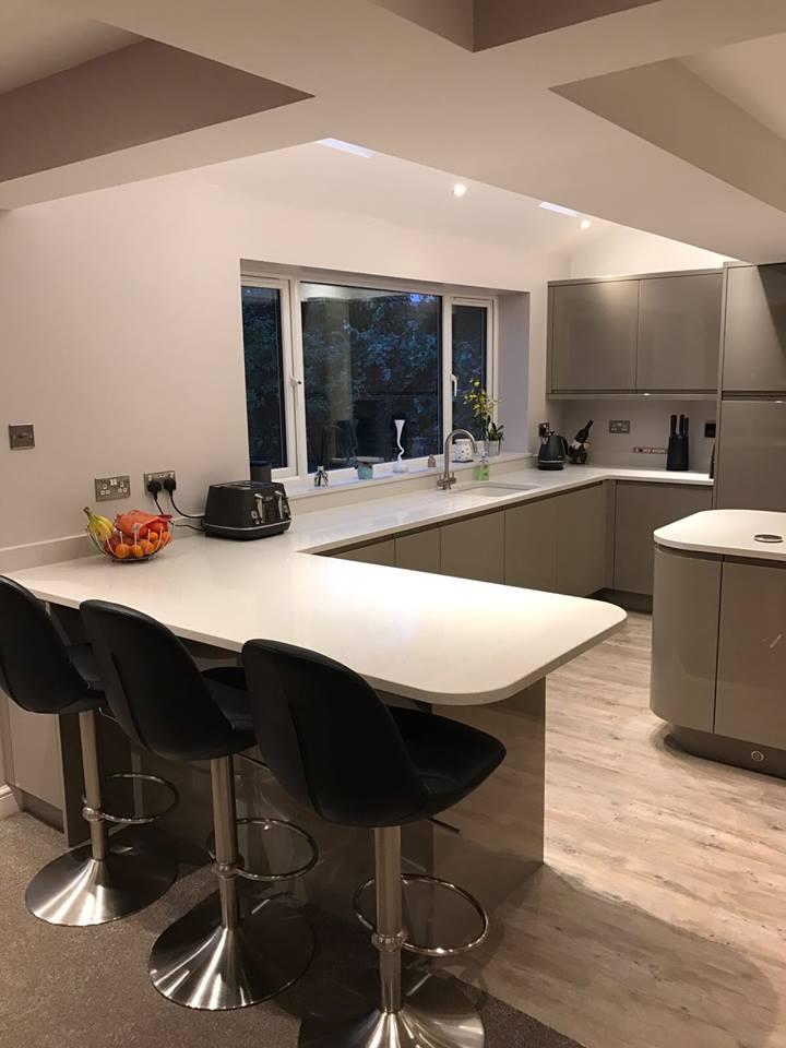 https://0201.nccdn.net/4_2/000/000/038/2d3/kitchen-lucente-graphite-2.jpg