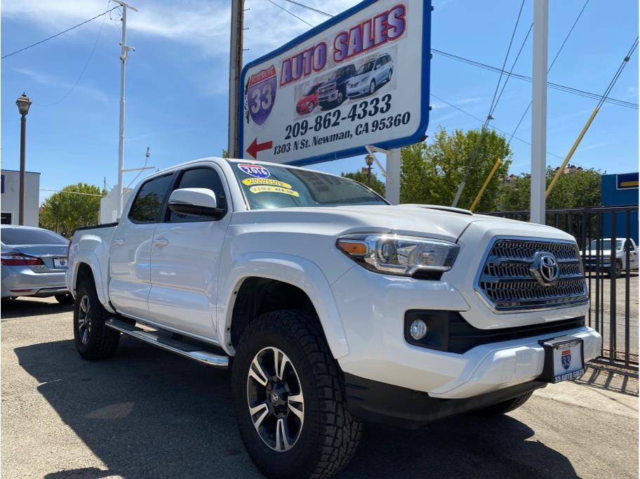 2016 Toyota Tacoma Double Cab TRD Miles:72,344 Drive:2WD Trans:Automatic, 6-Spd Engine:V6, 3.5 Liter Stock:1000 VIN:005989