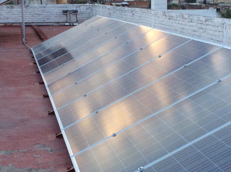 https://0201.nccdn.net/4_2/000/000/038/2d3/paneles-solares-instalados4-960x716.jpg